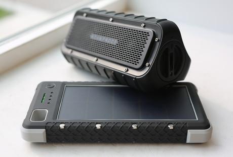 SOS Powerbank + Waterproof Speaker