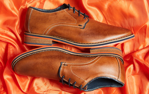 Leather Shoes That Toe the Line
