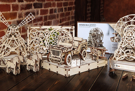 Wooden Kinetic Construction Sets