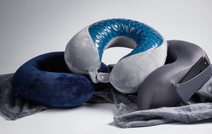 Essential Travel Pillows & Blankets