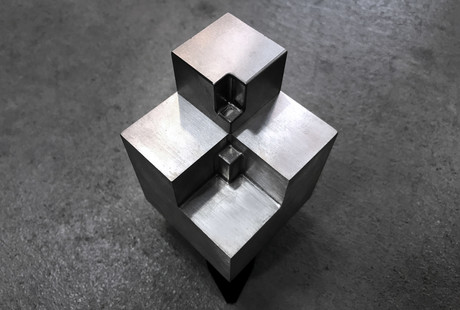 Mind-Boggling Dual Metal Element Block