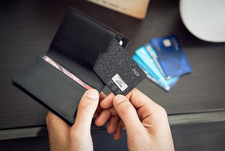 Your Whole Wallet In One Card