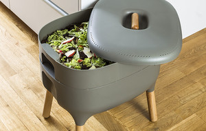 The Worm Farm Composting Kit