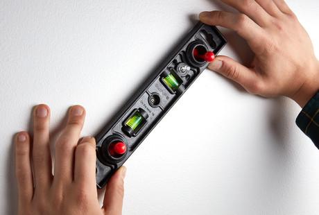 The Magnetic Stud Finder + Level