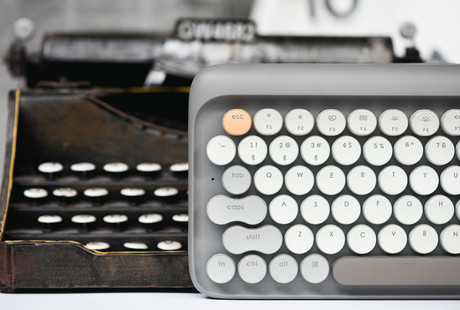 Retro-Inspired Mechanical Keyboard