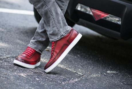 Fashionable Leather Sneakers
