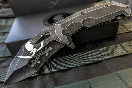 Expertly Designed Tactical Knives