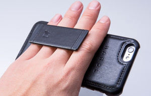 A Luxurious Way To Wear Your Phone